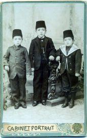 22 Cemil Bey'in ogullari Hasan Tahsin, Mehmet Ali, Mehmet Nurettin