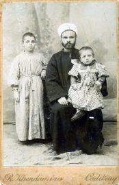 34 Mehmet Ali Bey amcasi Sehzadebasi Camii Bas Imami Tevfik Bey'in kucaginda