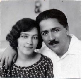 40 Mehmet Ali Bey esi Saliha Makbule Hanim'la