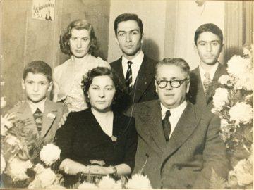 49 Mehmet Ali Bey ve Ogullari Nurettin Satvet, Nedret Cemil, Mecdet (soldan saga)